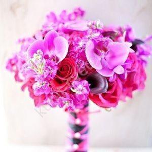 Свадебный букет цвета фуксии